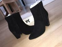 Park lane black boots