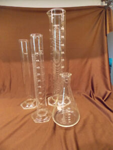 VINTAGE 4 PIECE PYREX AND KIMAX CHEMISTRY FLASKS AND