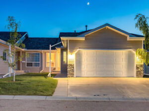 GORGEOUS bungalow w/over 2425 sq ft of developed living space
