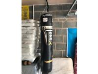Punch bag and wall bracket 6 foot