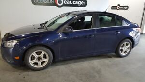 2011 Chevrolet Cruze LS, air conditionné, régulateur, bluetooth
