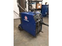 MIG WELDER MINT CONDITION ONLY A FEW MONTHS FROM NEW