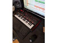 Roland DJ-XI synthesizer