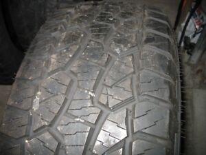 4 pneus de camionette
