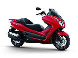 OFFRE LIMITÉE ! Scooter HONDA FORZA ROUGE NEUF