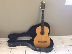 Nylon String Classical Guitar with case