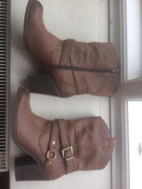 9 pairs of shoes/boots plus handbag size 6