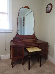 Antique 1920's Mahogany Bed & Matching Vanity