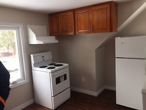 2 Bedroom Upper Level Apartment ***Open House Today***