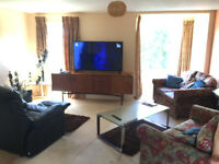3 Bedroom, Top Floor, Newly Renovated Flat, No Agency Fees