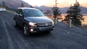AWD 2013 Tiguan 2.0L Turbo. NO GST!!!