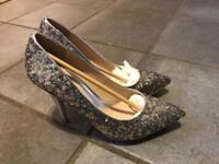 Silver sequinned stiletto court shoes Size 5 (38)