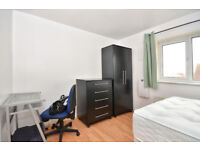 EN-SUITE DOUBLE ROOM TO RENT IN AN END TERRACE HOUSE IN THAMES-MEAD ---SE28 0LJ