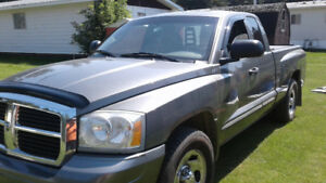 2005 Dodge Dakota Pickup Truck 2 WD