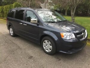 "2013 Dodge Grand Caravan SE/SXT FULL STOW""N\""GO"