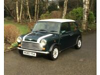 Mini Cooper Classic. Rover 1995. Excellent condition. Colour Green White.