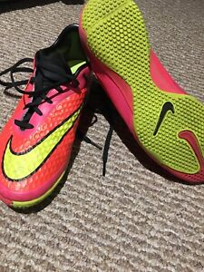 Nike hypervenom indoor soccer shoes