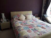 Kingsize bedframe and 2 bedside tables
