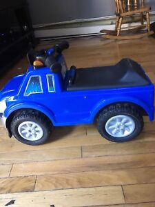 Fisher-Price Ford Super Duty Pick Up Ride in toy