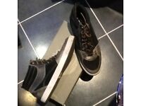 Timberland casual boots,boxed,size11,with black suede inserts,excellent condition,only£7,loc deliver