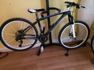 "16"" Carbon Fibre Cube Access GTC Mountain bike"