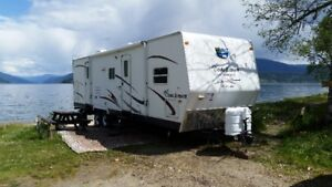 31' Travel trailer. Bunk House Model, two slide outs