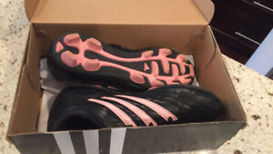 Soccer cleats worn once