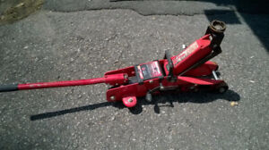 MotoMaster Hydraulic Roller Jack/ Cric Hydraulique