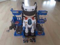 Imaginext Robot on Patrol