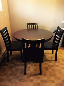 4 pc dark wood table chair round dining set (pick up wed eve)
