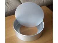 LARGE LOOSE_BASED CAKE TIN Used once only.