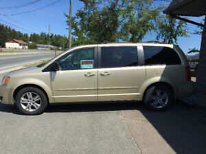 2010 Dodge Grand Caravan SE stow n go $7000 on the road