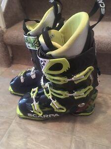 Scarpa freedom SL ski boots sz27