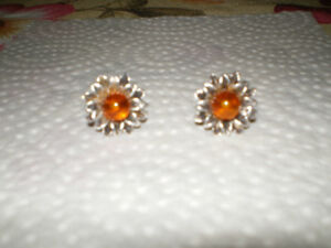 Sterling silver flower earrings with amber - new condition