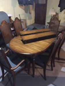 D.R Table 6 chairs