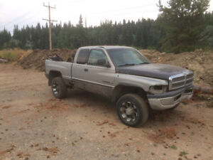 2000 dodge ram 2500 for parts
