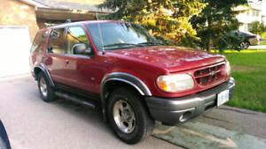 2000 ford explorer XLT 4liter V6 4x4