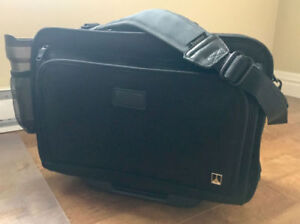 TravelPro 2-in-1 roller suitcase and messenger bag