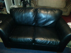 SOLD!!! Couch & love seat set GUC $300