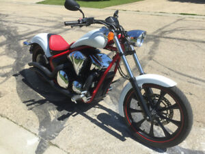 FURTHER REDUCED! '14 HONDA FURY 1300ABS: MINT (NEW) Cond. 5750 k