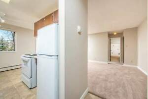 *INCENTIVES* 1 Bdrm in Desirable Oliver Adult Bldg~  67