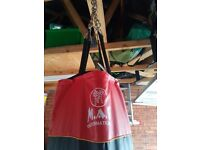 5ft Heavy Duty M.A.R punch bag with chain fitting
