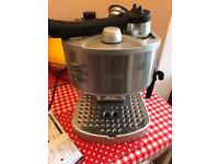 Delonghi expresso coffee machine (Slightly Faulty)