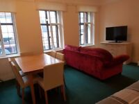 Very spacious and nicely furnished bedsit room to let in Faringdon Town Centre. Oxfordshire