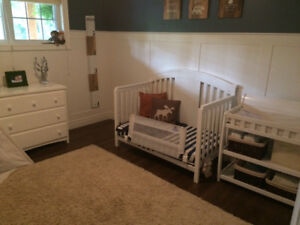 Delta Convertible crib, dresser and change table