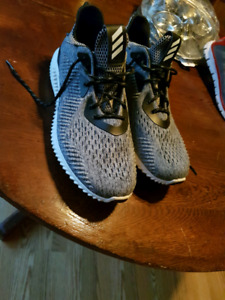 Adidas runners size 11