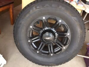 4 Nexen Mud and Snow Tires with Rims 265/70R17