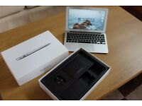 LIKE NEW BOXED 11' Apple Macbook 2015 | 1.6 GHz i5, 128Gb Storage 4GB Ram
