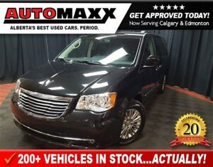 2015 Chrysler Town & Country Touring-Leather!