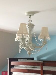 Suspension style chandelier blanc